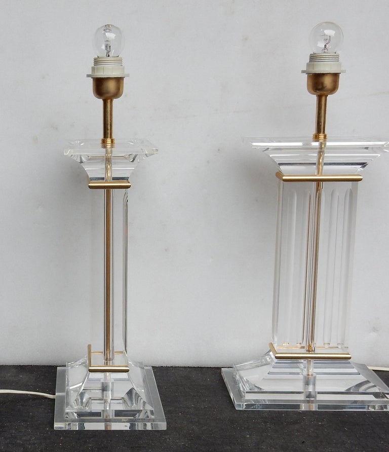 1970 Pair of Lamps in Lucite Columns Deco In Good Condition For Sale In Paris, FR