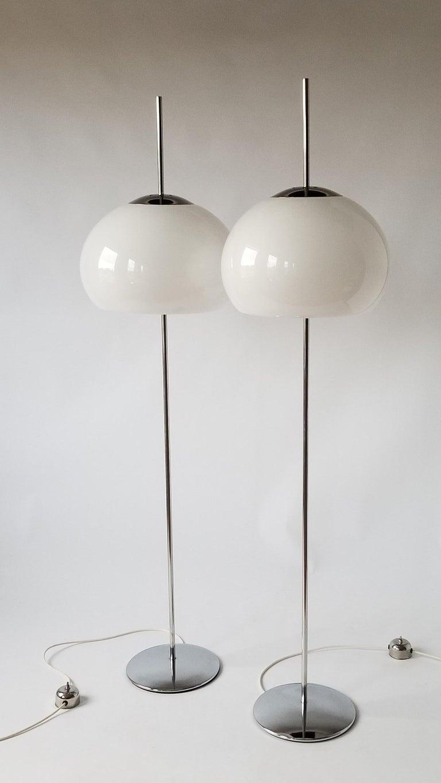 Late 20th Century 1970 Pair of Reggiani Acrylic Shade on Chrome Floor Lamp, Italy For Sale