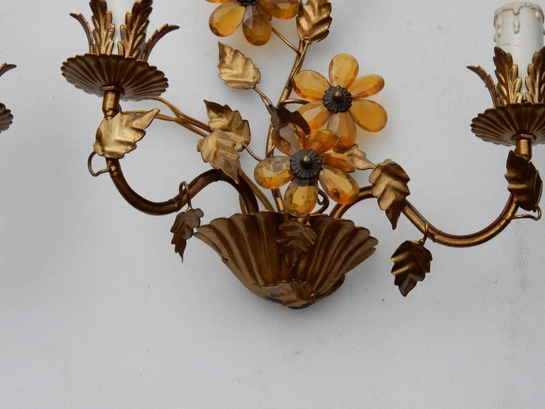 French 1970 Pair of Wall Lamp in the Style of Maison Baguès with Orange Color Flowers For Sale
