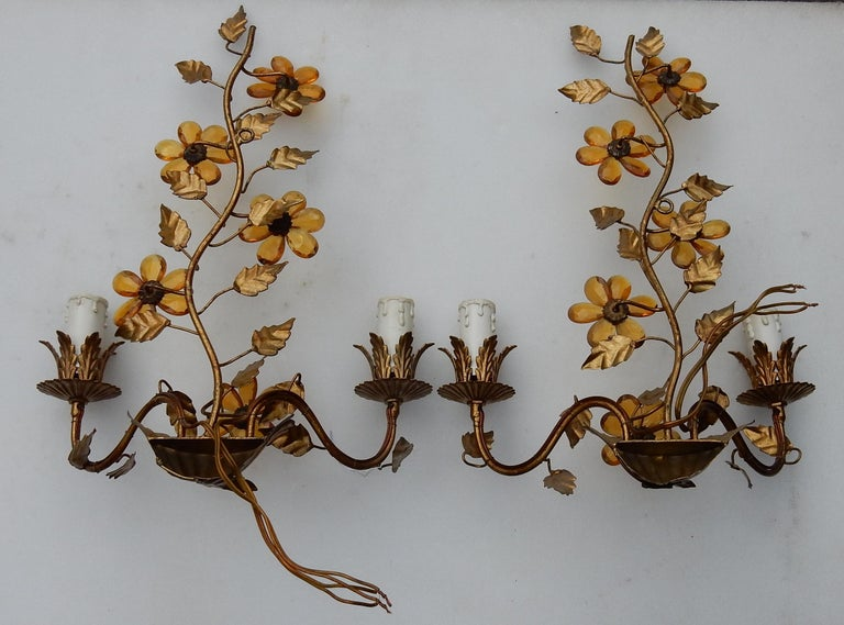 1970 Pair of Wall Lamp in the Style of Maison Baguès with Orange Color Flowers In Good Condition For Sale In Paris, FR