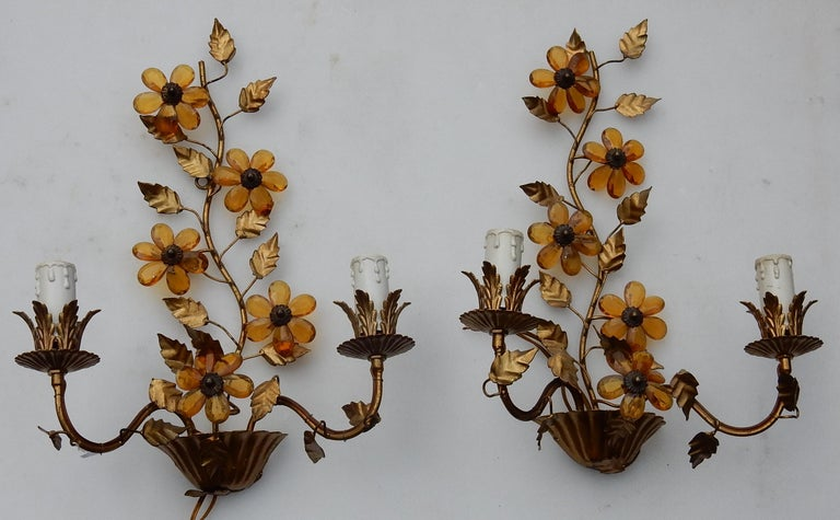 1970 Pair of Wall Lamp in the Style of Maison Baguès with Orange Color Flowers For Sale 1