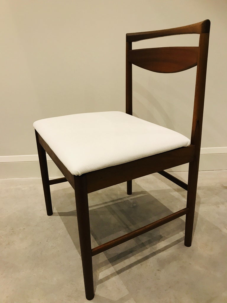 1970 Vintage Teak McIntosh Retro Dining Chairs Upholstered in White Leather For Sale 6