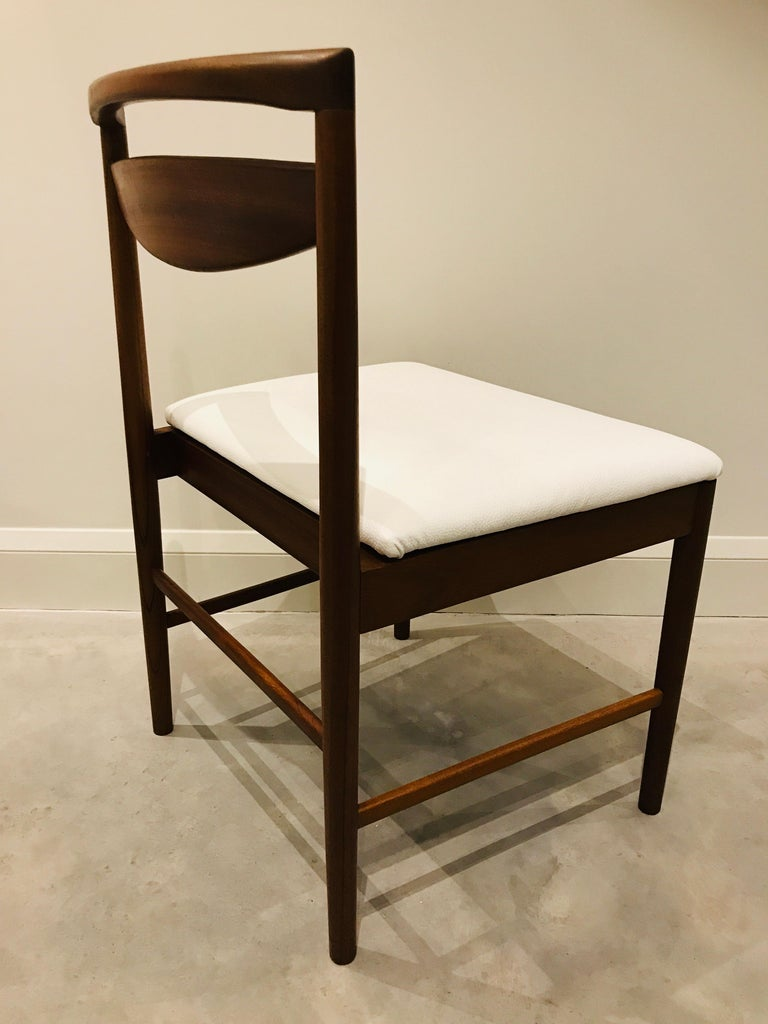 1970 Vintage Teak McIntosh Retro Dining Chairs Upholstered in White Leather For Sale 9