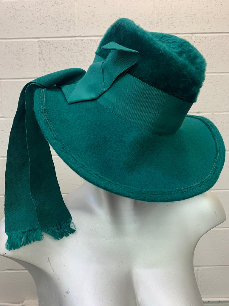 1970 Yves Saint Laurent Emerald Green Fur Felt Fedora W/ Ribbon Streamers  In Excellent Condition For Sale In San Francisco, CA