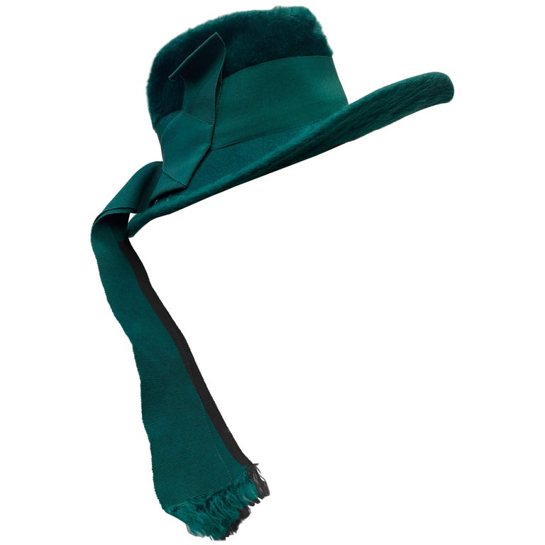 1970 Yves Saint Laurent Emerald Green Fur Felt Fedora W/ Ribbon Streamers  For Sale