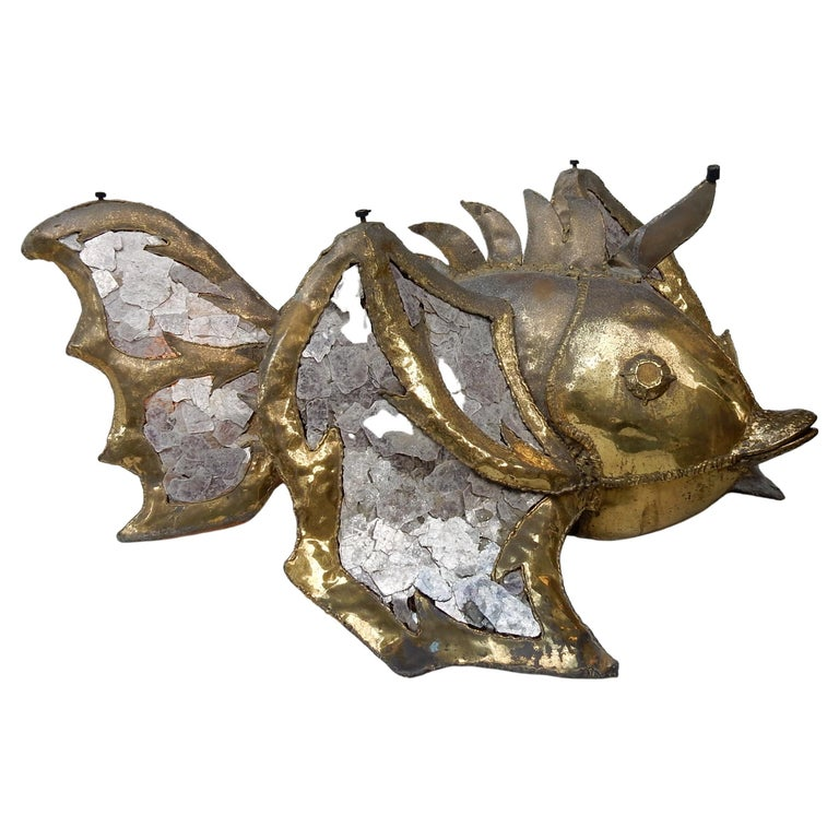 1970′Eluminating Brass Fish Coffee Table with Mika Violet Style Duval Brasseur For Sale