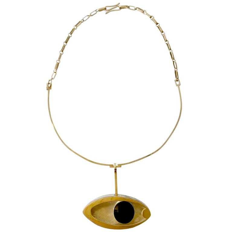 1970s 14 Karat Gold Surrealist Lucite Eye of Ra Sun God Pendant Necklace For Sale