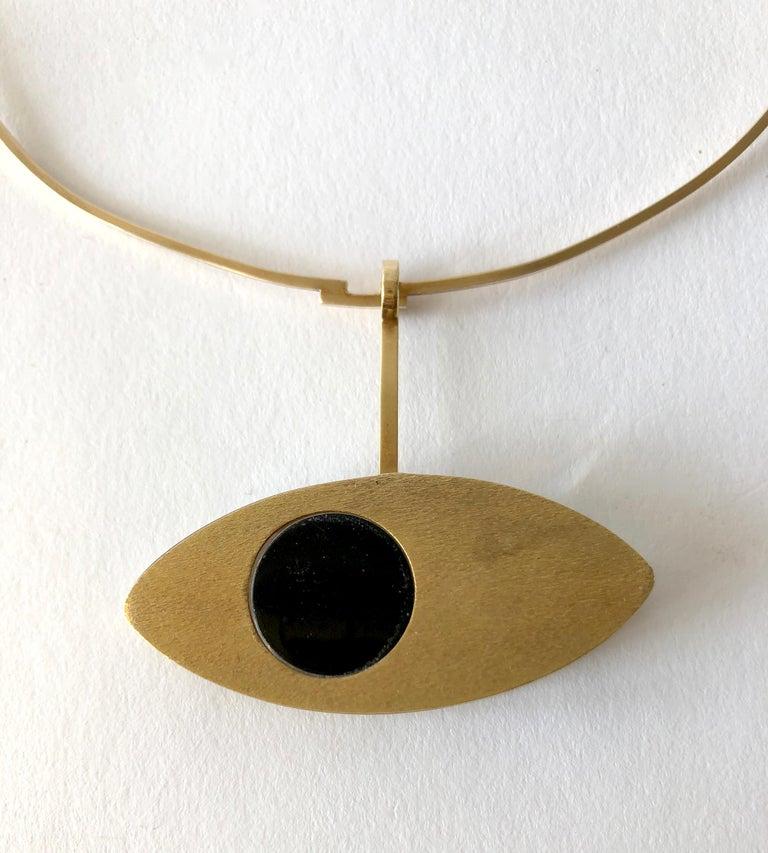 1970s 14 Karat Gold Surrealist Lucite Eye of Ra Sun God Pendant Necklace For Sale 3