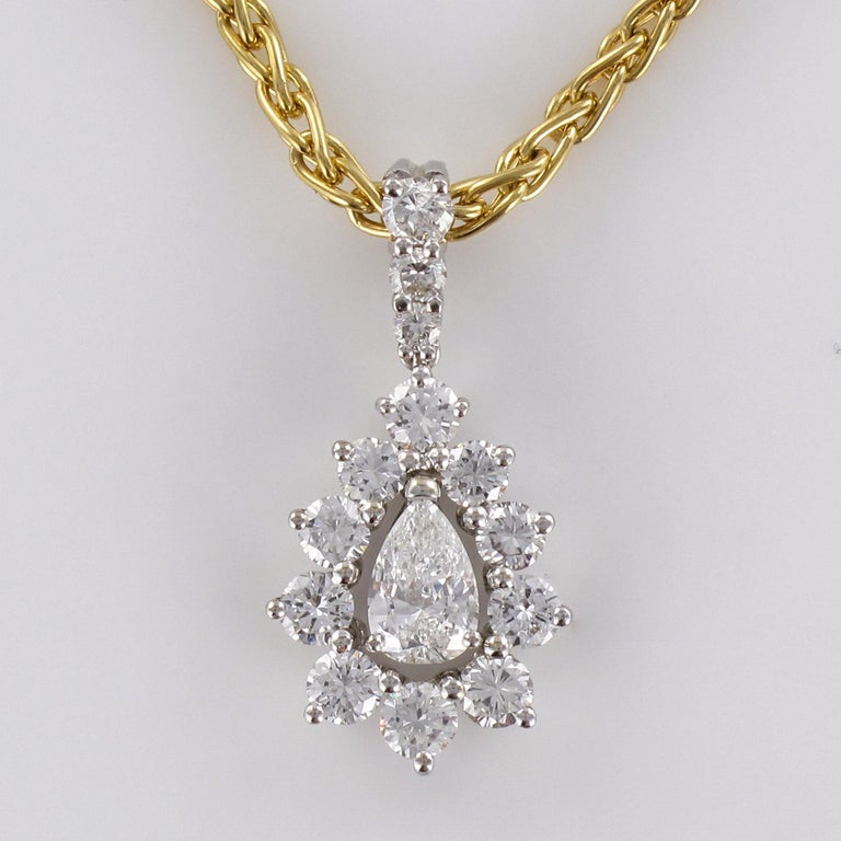 1970s 1.65 Carat Diamond White Gold Pendant Yellow Gold Chain Necklace For Sale 6