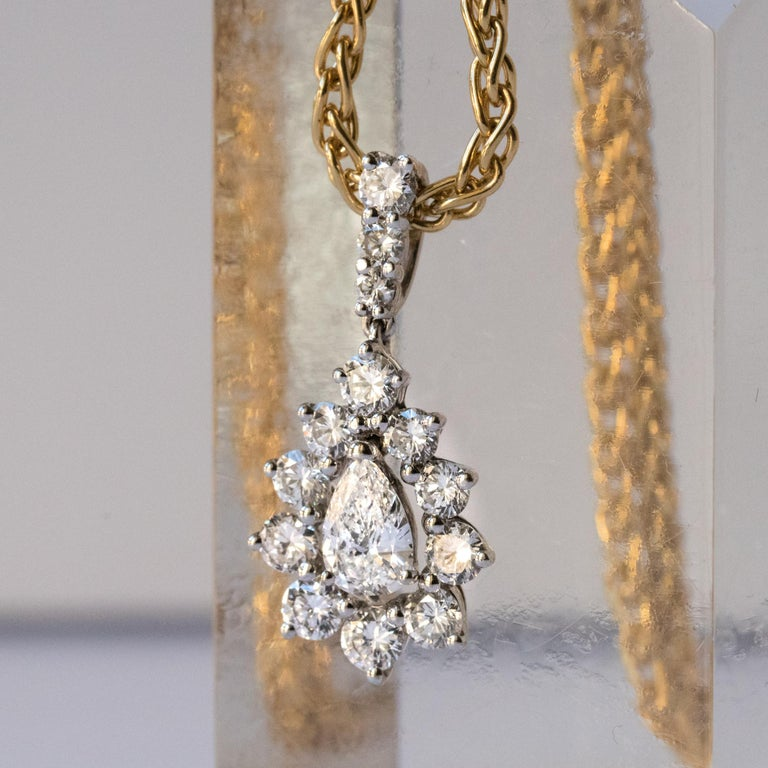 Pear Cut 1970s 1.65 Carat Diamond White Gold Pendant Yellow Gold Chain Necklace For Sale
