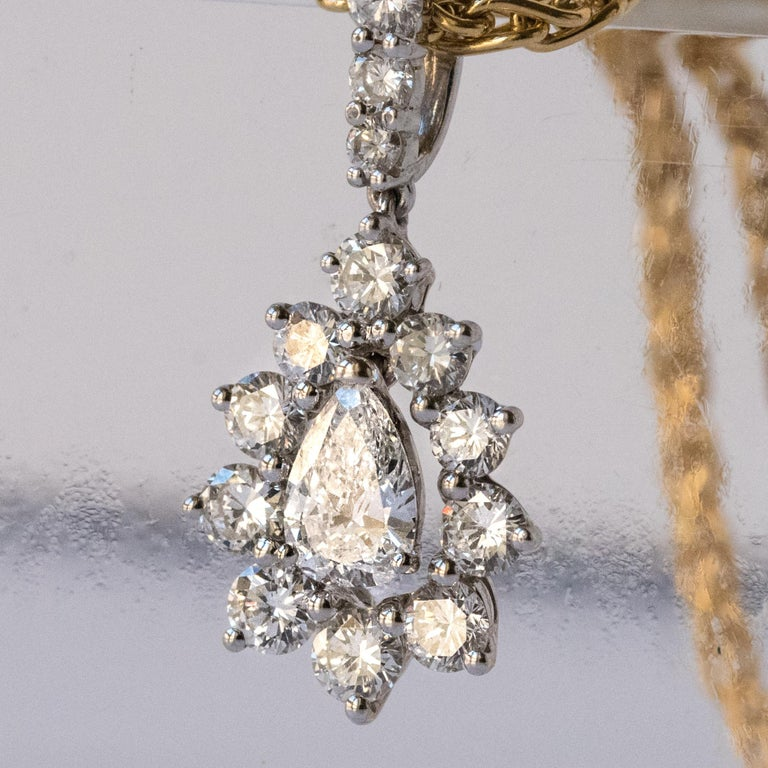 1970s 1.65 Carat Diamond White Gold Pendant Yellow Gold Chain Necklace In Excellent Condition For Sale In Poitiers, FR