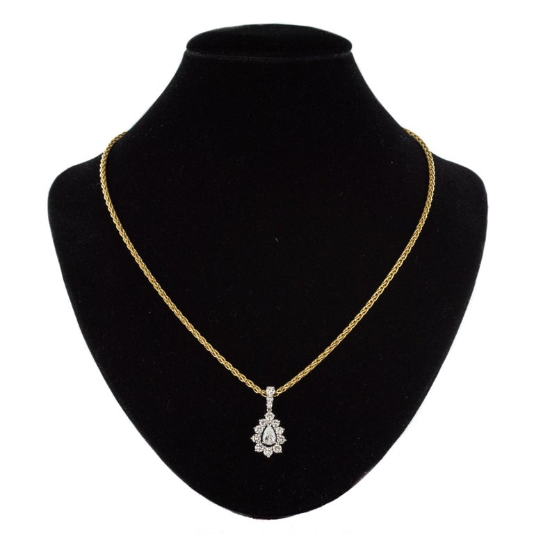 1970s 1.65 Carat Diamond White Gold Pendant Yellow Gold Chain Necklace For Sale 1