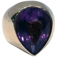 1970s 18 Karat Amethyst Large Ring