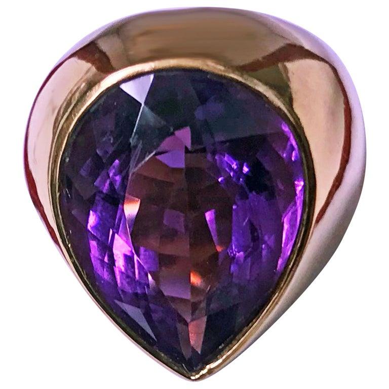 1970s 18 Karat Amethyst Large Ring For Sale