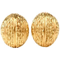 1970s 18 Karat Gold Dome Shell Clip Earrings