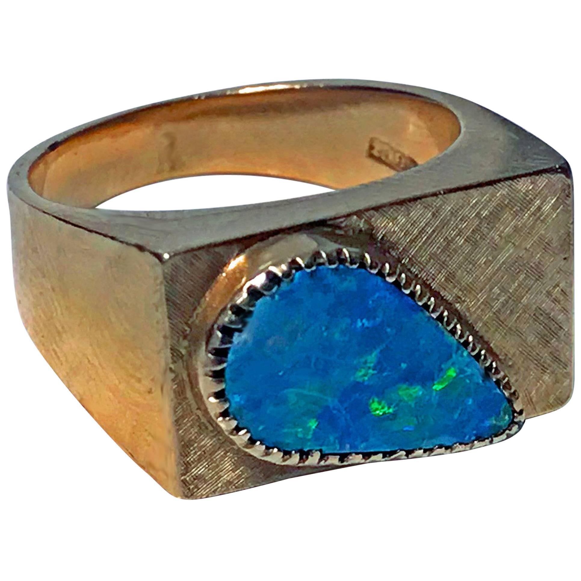 1970s 18 Karat Pink Gold Opal Ring