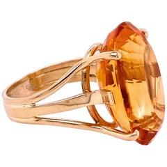 1970s 18 Karat Yellow Gold Oval Golden Citrine Ring
