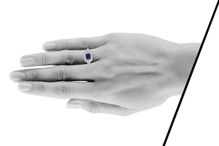 1970s 18 Karat White Gold Sapphire and Diamond In Excellent Condition For Sale In New York, NY
