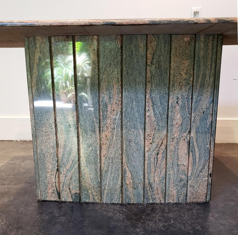 1970s-1980s Italian Pink and Grey Marble Console Table For Sale 2