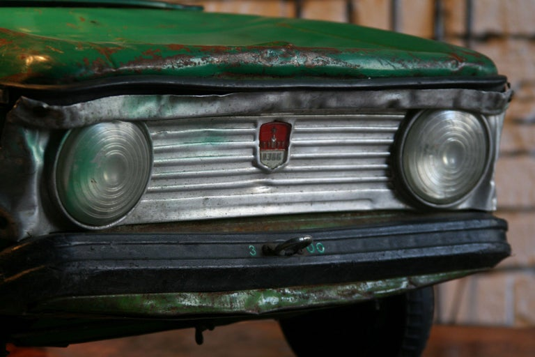 1970s a Metal Pedal Car Moskvich Azak For Sale 2