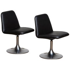 "1970s a Pair of Black ""Vinga"" Swivel Slipper Chairs by Börje Johanson, Sweden 1"