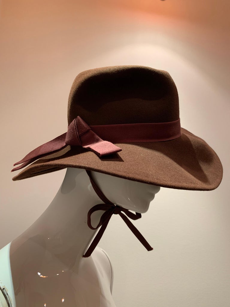 1970s Adolfo Wide Brim Menswear-Style Chocolate Brown Wool Felt Fedora W/ Strap In Excellent Condition For Sale In San Francisco, CA
