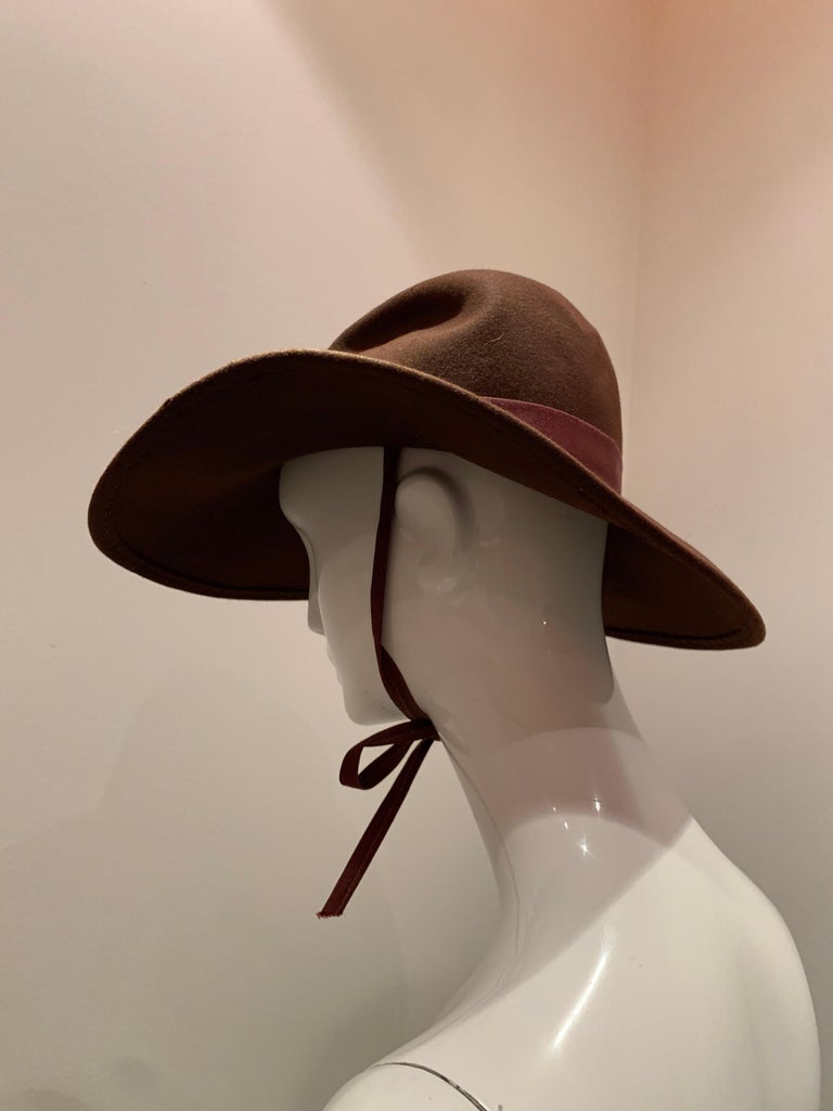 1970s Adolfo Wide Brim Menswear-Style Chocolate Brown Wool Felt Fedora W/ Strap For Sale 2