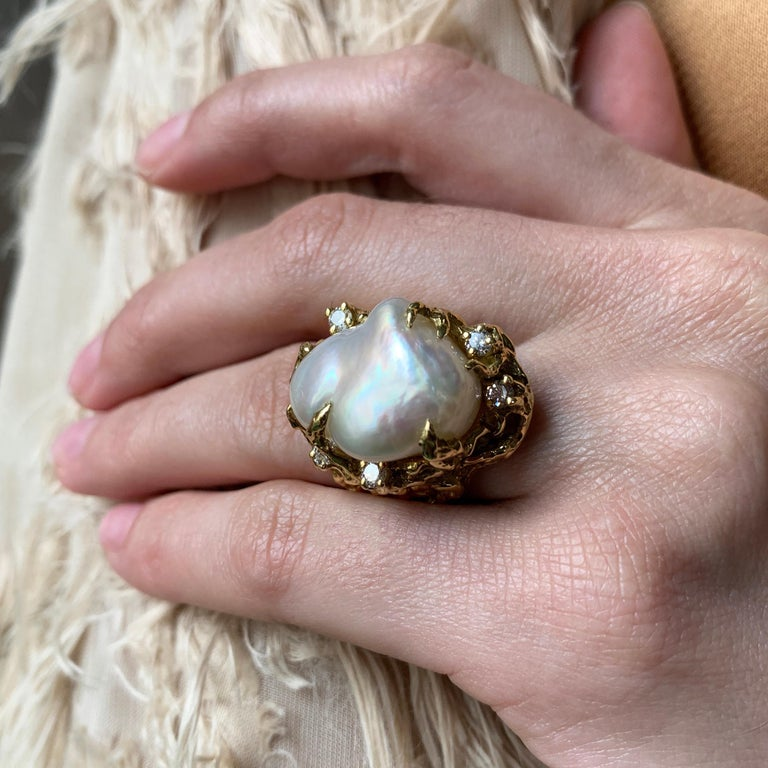1970s Arthur King Baroque South Sea Pearl, Diamond and Gold Ring In Excellent Condition For Sale In New York, NY