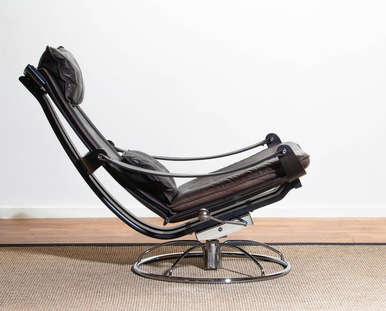 1970s Artistic Leather Swivel / Relax Chair by Ake Fribytter for Nelo Sweden In Good Condition In Silvolde, Gelderland