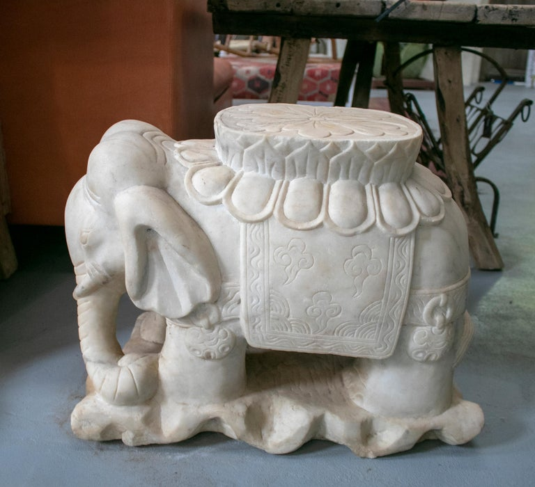 1970s Asian Pair of White Marble Elephants from India For Sale 1