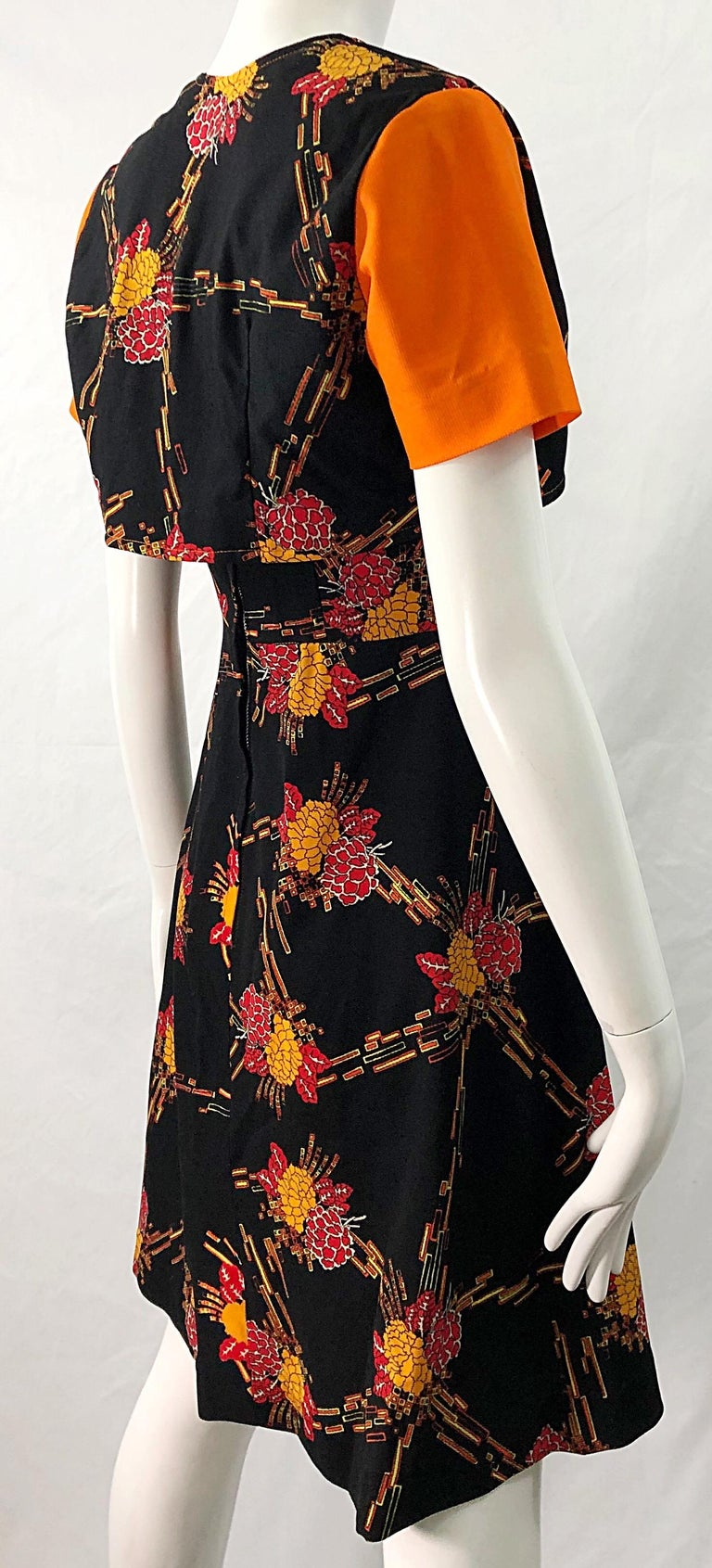 1970s Autumnal Digital Floral Print Knit Vintage 70s A Line Dress + Bolero Top For Sale 6