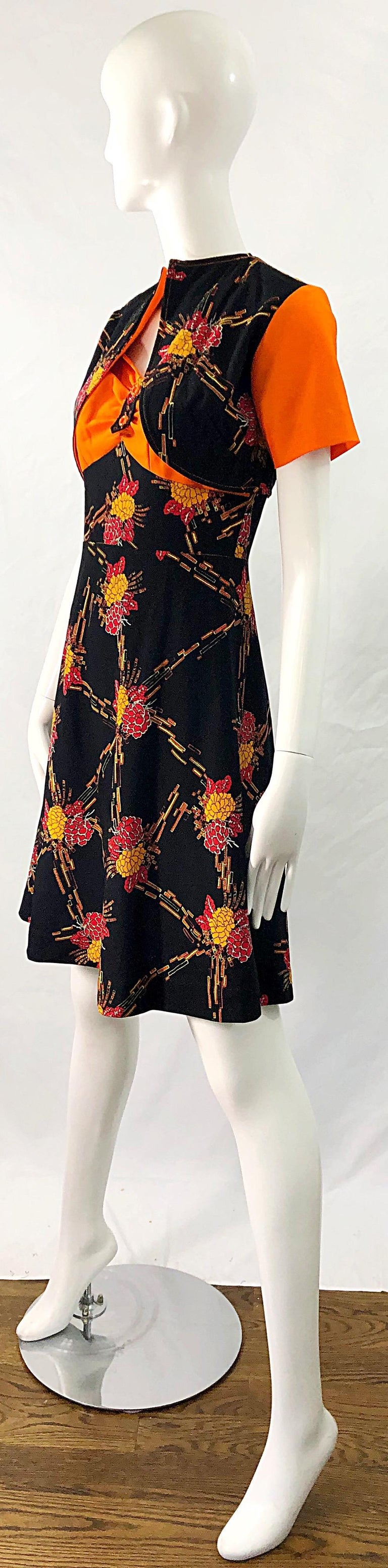 1970s Autumnal Digital Floral Print Knit Vintage 70s A Line Dress + Bolero Top For Sale 8