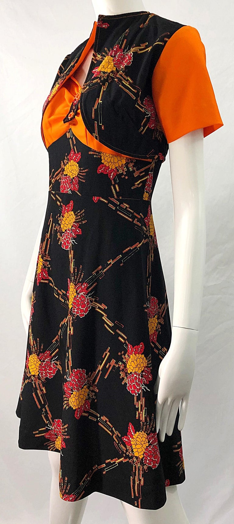 1970s Autumnal Digital Floral Print Knit Vintage 70s A Line Dress + Bolero Top For Sale 12