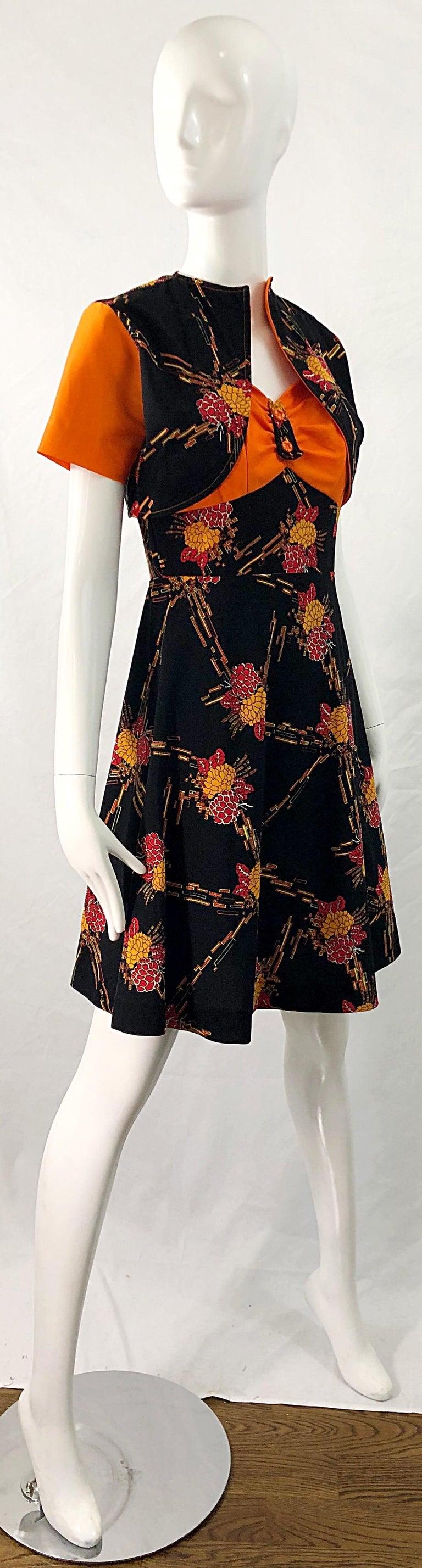 1970s Autumnal Digital Floral Print Knit Vintage 70s A Line Dress + Bolero Top For Sale 2