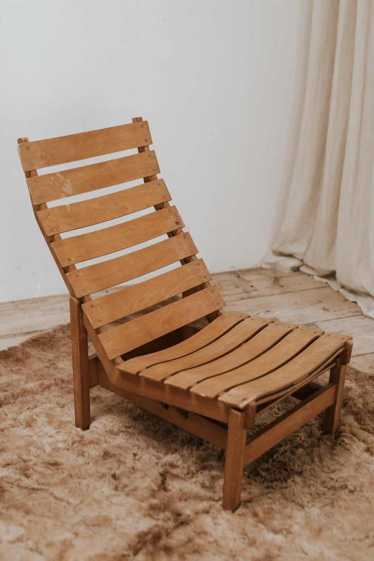 A wonderful example of a vintage lounge chair, great lines.