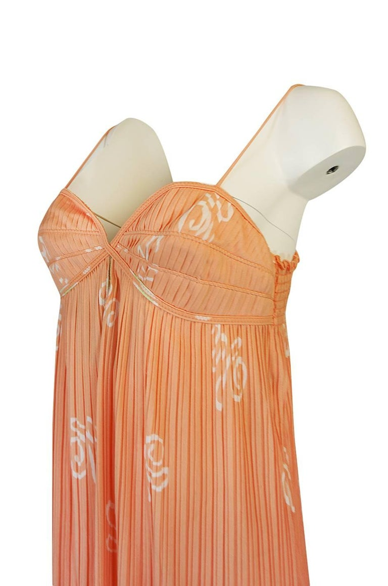 Bill Tice Peach Print Halter Dress and Jacket Pleat Set, 1970s  For Sale 5