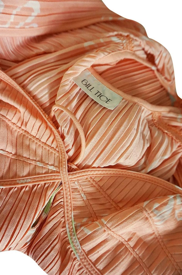 Bill Tice Peach Print Halter Dress and Jacket Pleat Set, 1970s  For Sale 6