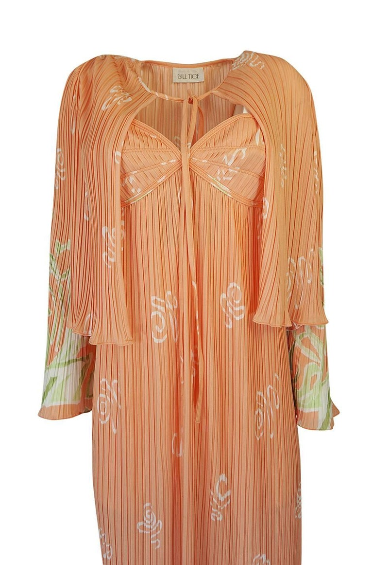 Bill Tice Peach Print Halter Dress and Jacket Pleat Set, 1970s  In Excellent Condition For Sale In Toronto, ON