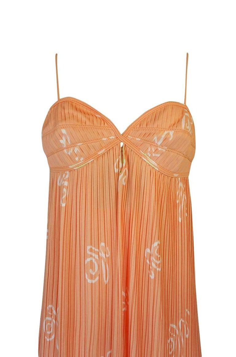 Bill Tice Peach Print Halter Dress and Jacket Pleat Set, 1970s  For Sale 4