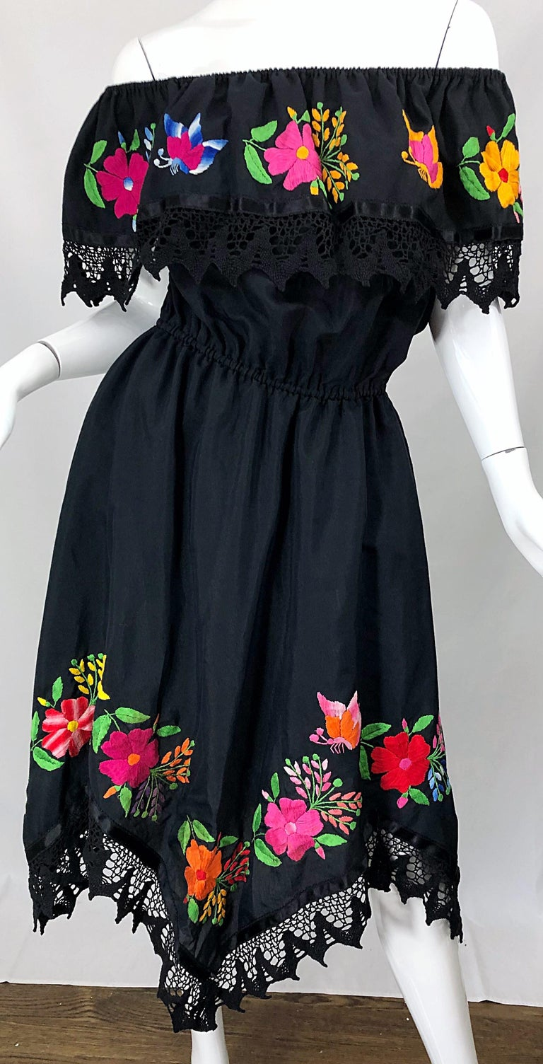 1970s Boho Chic Black Colorful Cotton Embroidered Handkerchief Hem Vintage Dress For Sale 13