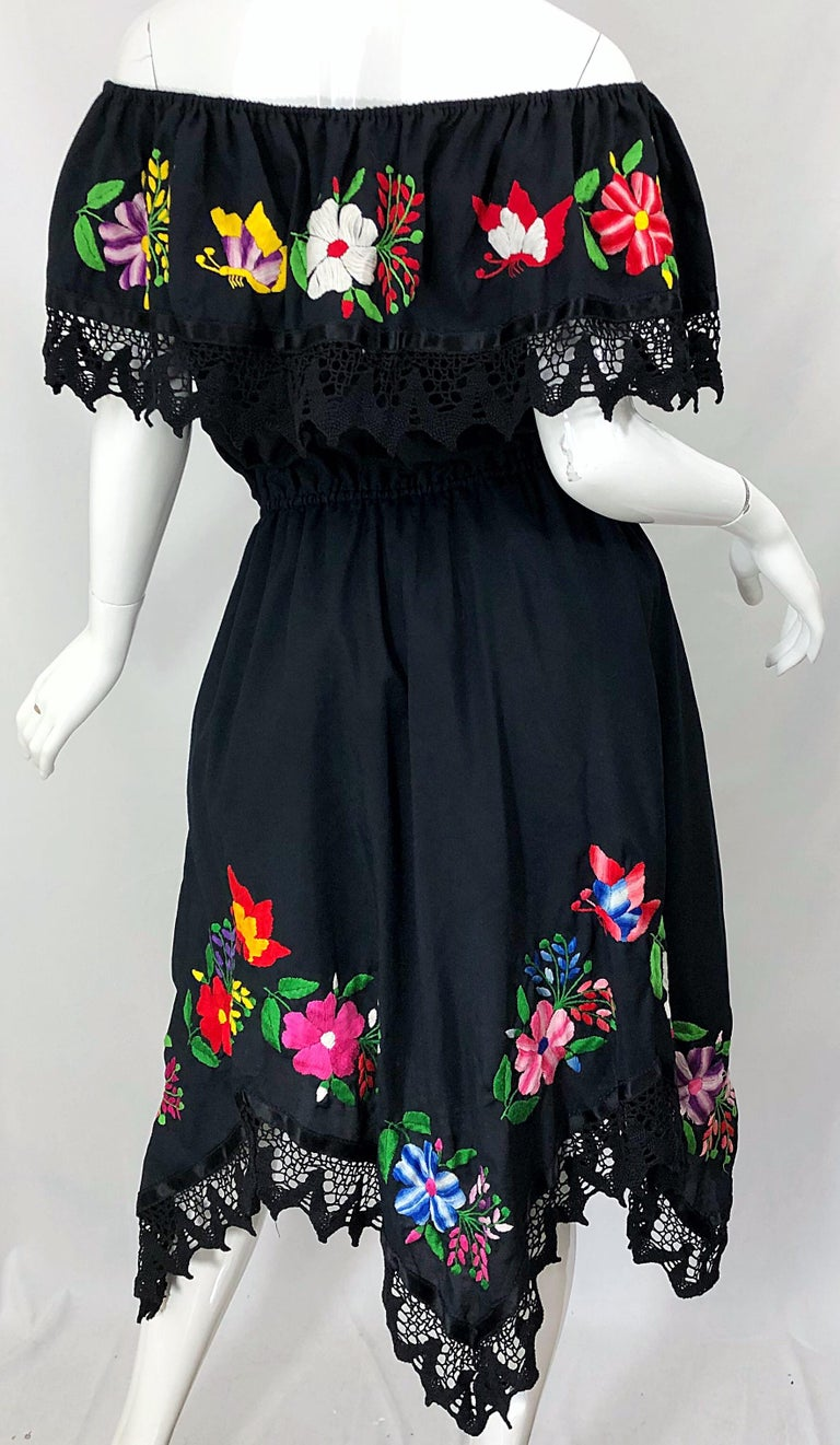 1970s Boho Chic Black Colorful Cotton Embroidered Handkerchief Hem Vintage Dress For Sale 1