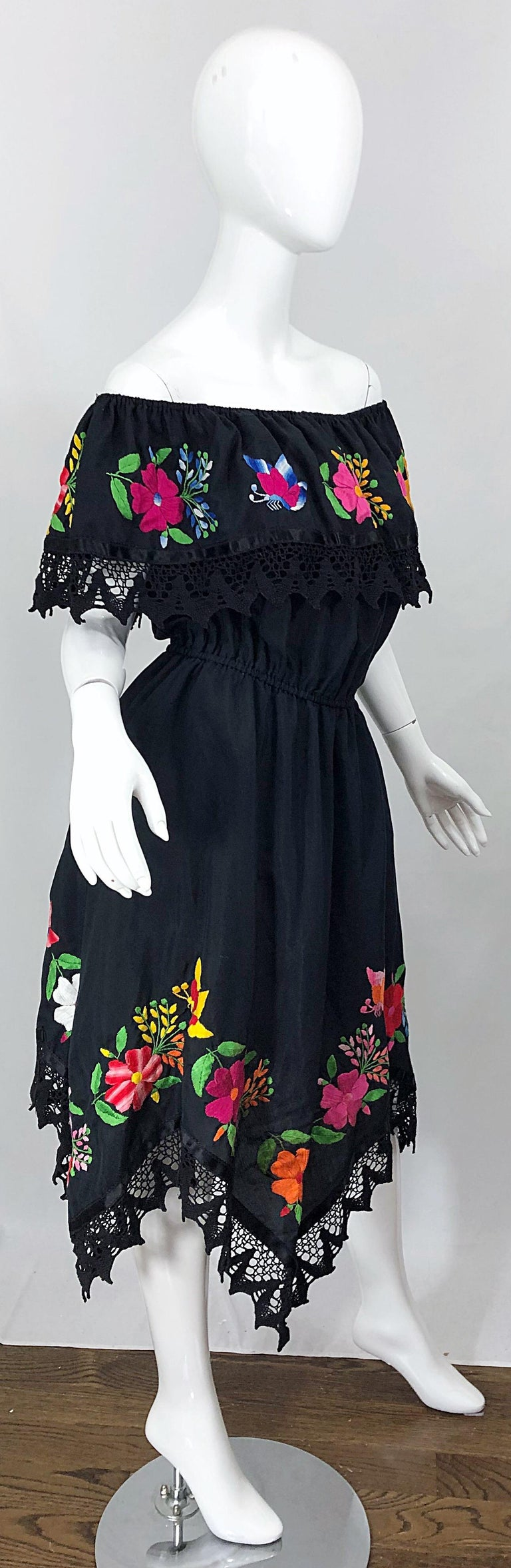 1970s Boho Chic Black Colorful Cotton Embroidered Handkerchief Hem Vintage Dress For Sale 3