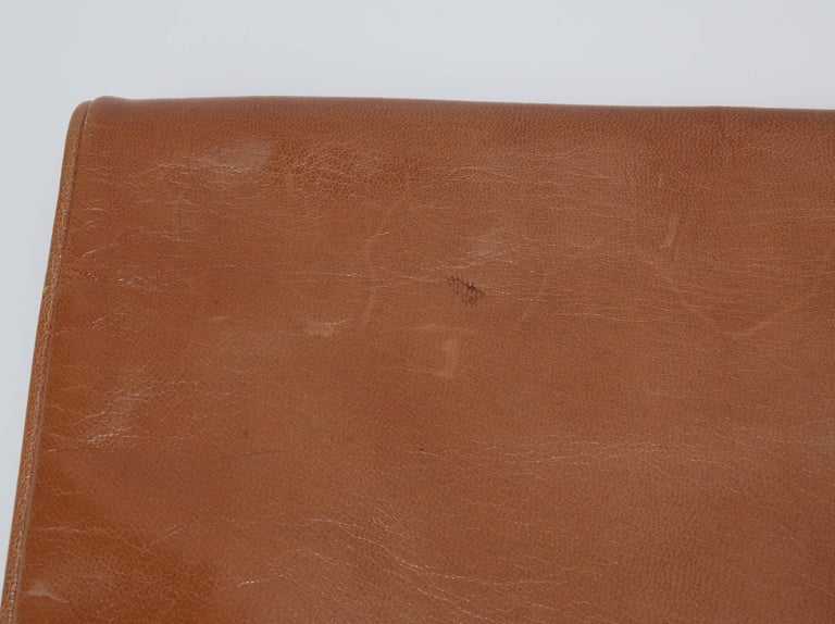 1970's Bottega Veneta Large Envelope Leather Clutch Handbag For Sale 3