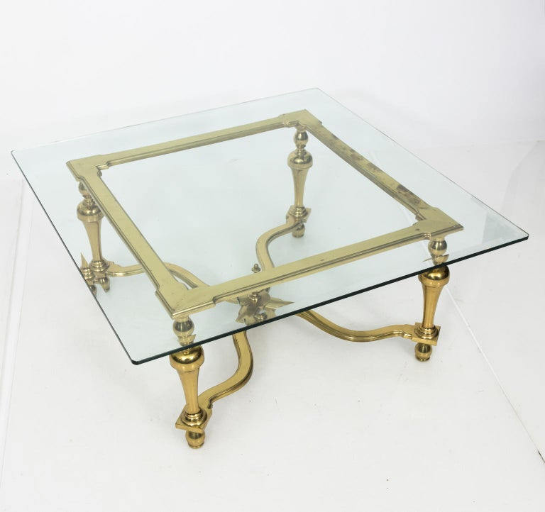 1970s Brass and Glass English Coffee Table In Good Condition For Sale In Stamford, CT