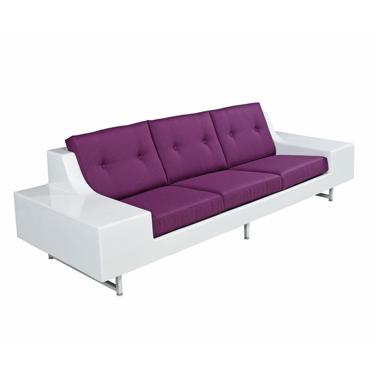 American Futuristic Vintage Modern Indoor Outdoor White Fiberglass Sofa in Knoll Fabric For Sale