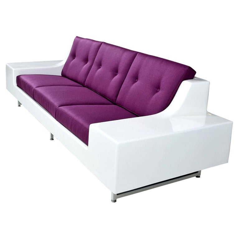Mid-Century Modern Futuristic Vintage Modern Indoor Outdoor White Fiberglass Sofa in Knoll Fabric For Sale