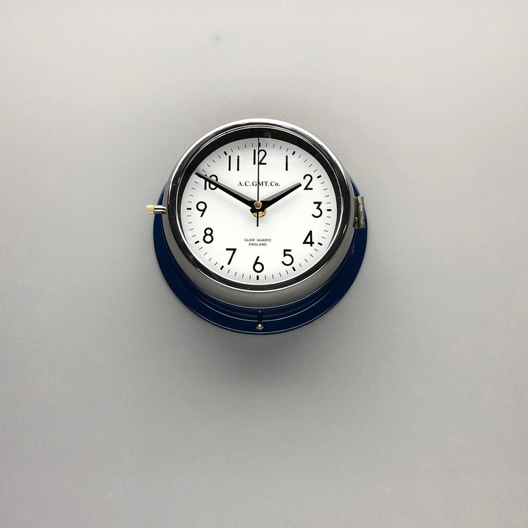 1970s British Classic Blue & Chrome AC GMT Co. Industrial Wall Clock White Dial In Excellent Condition For Sale In Leicester, Leicestershire