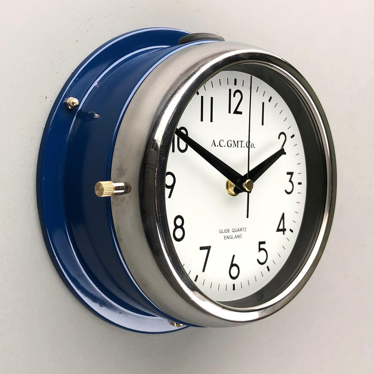 1970s British Classic Blue & Chrome AC GMT Co. Industrial Wall Clock White Dial For Sale 2