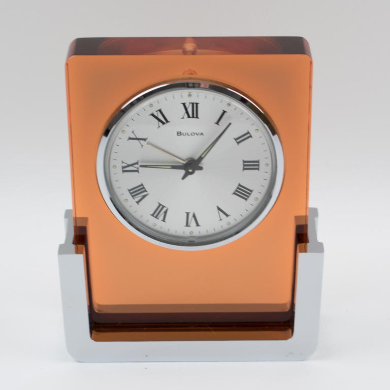 1970s Bulova Japan 2RA007 Wind Up Alarm Table Clock Copper Lucite and Chrome For Sale 4