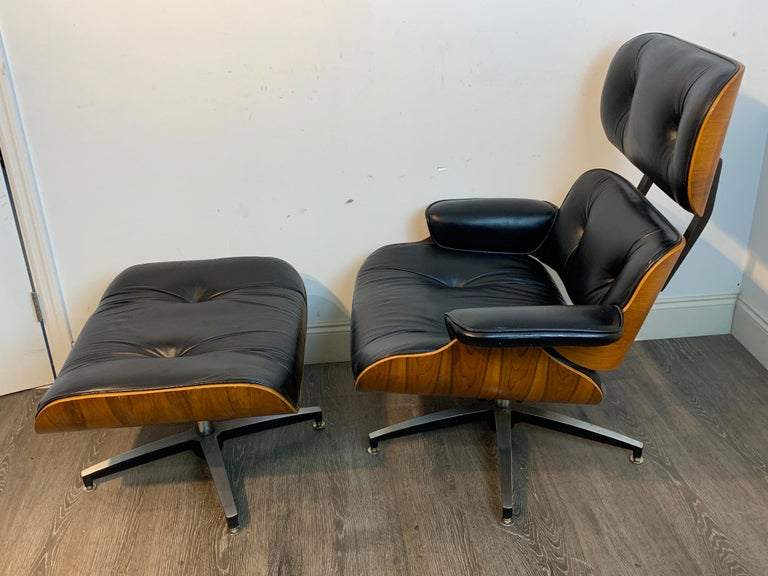 Vintage Canadian made Eames style lounge chair and ottoman. The design was introduced in 1956, This copy is marked for Northfield Metal Products, Waterloo, Ontario, Canada, with patent date of 1975 and patent number 3935613